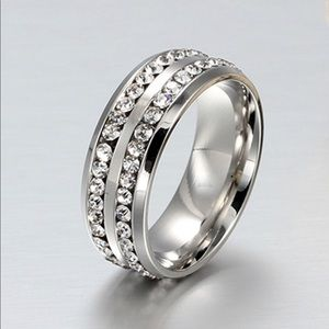 Accessories - Silver and Crystal Ring - New